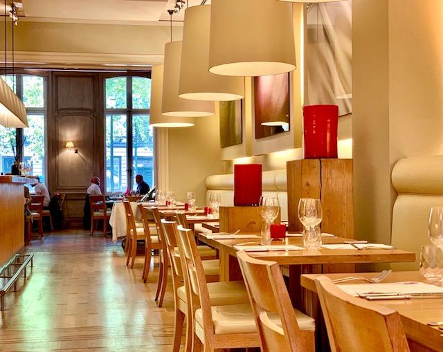 Rouge Tomate,cocina cosmopolita en la elegante Avenue Louise