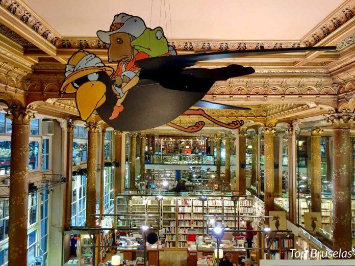 Tropismes en la libreria de los espejos y techos dorados
