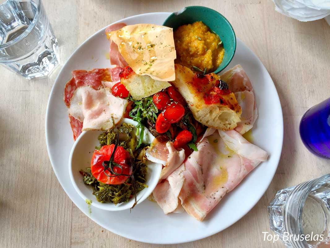 Antipasti del restaurante Moni Cantina Gastronomica