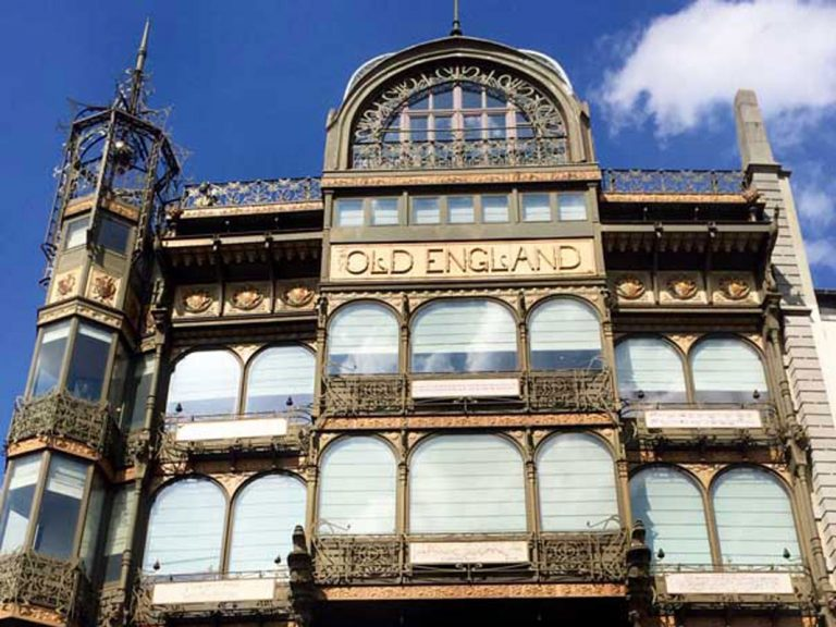 Museo de Instrumentos Musicales, una de las mejores colecciones del mundo en un precioso edificio Art Nouveau