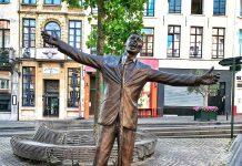 Nueva Estatua Jacques Brel en el centro de Bruselas