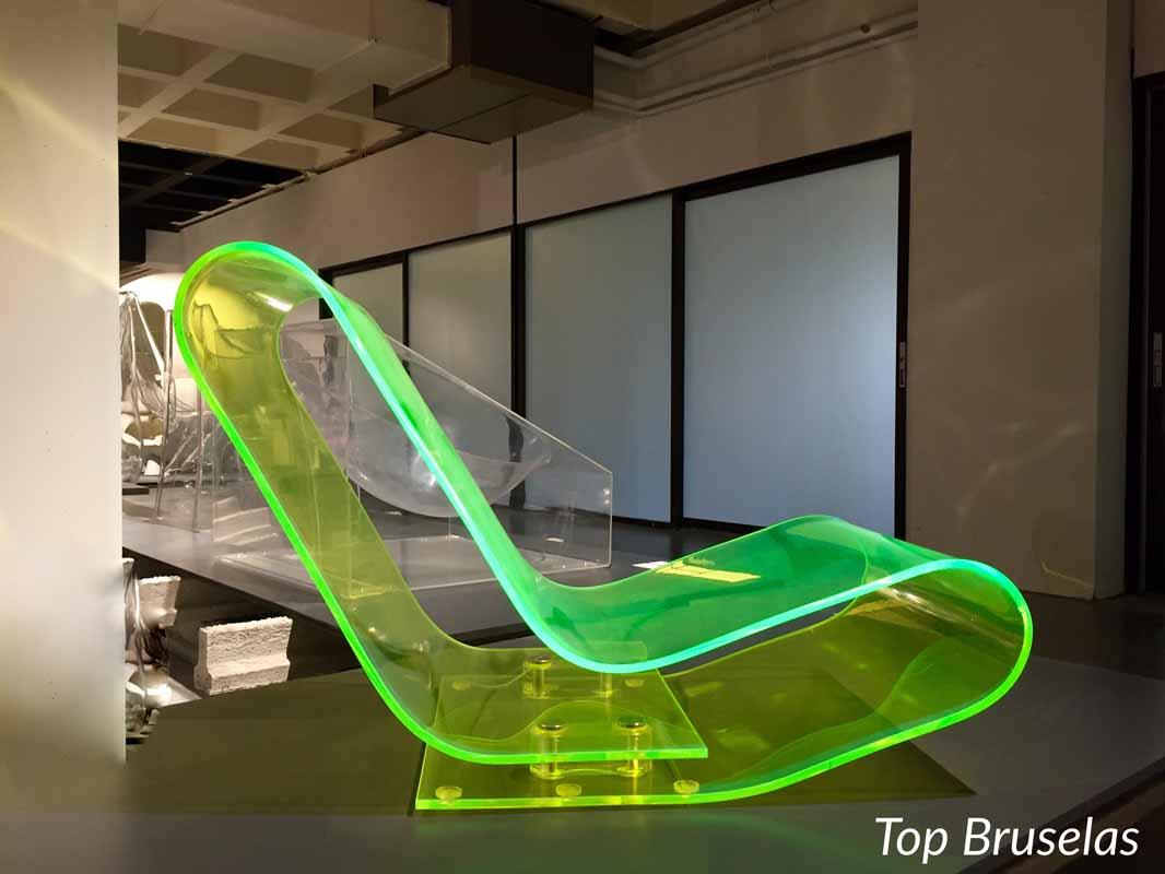 Museo ADAM mecedora fluorescente