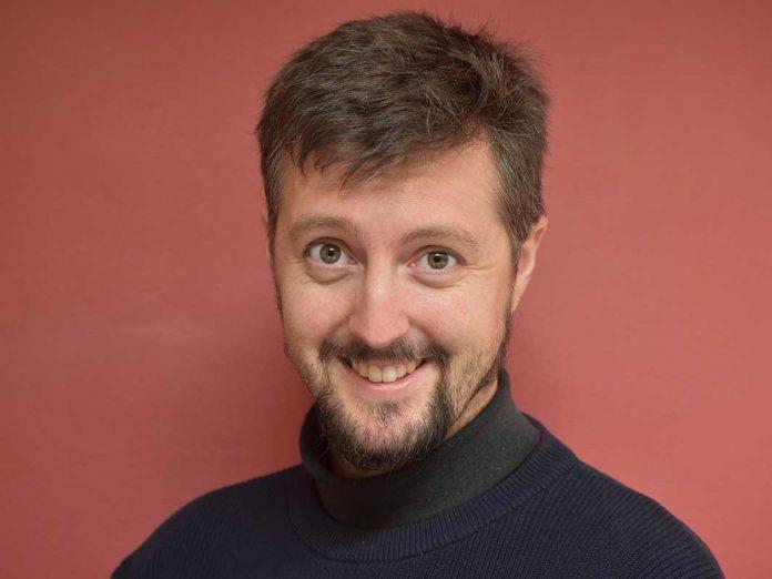 Retrato de Carlos Casorrán, director de teatro