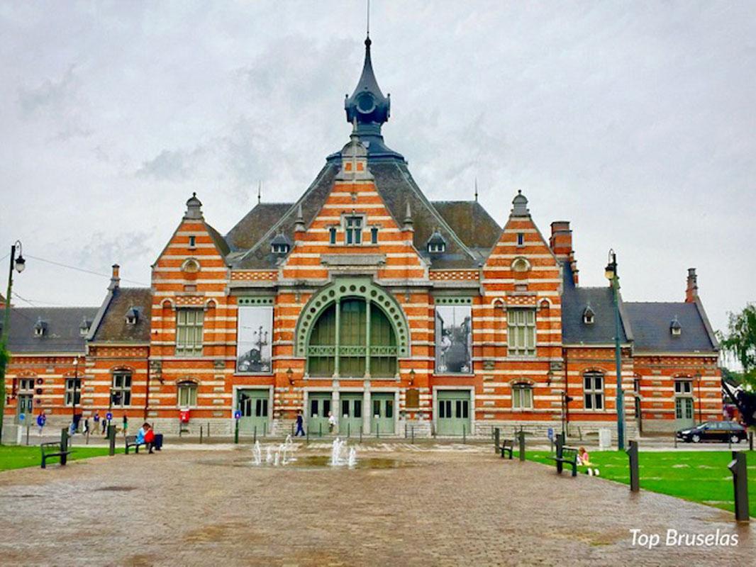 Fachada del Museo del Tren o Trainworld