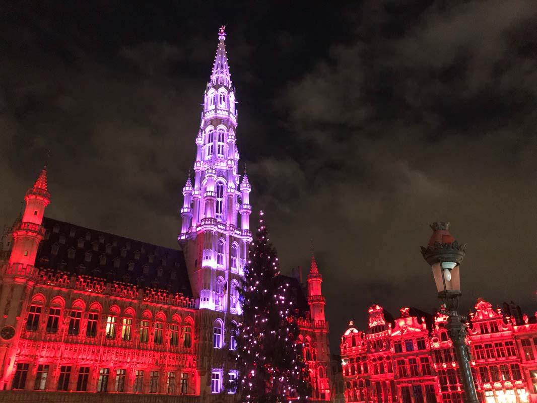 Espectaculo de luces Grand Place Navidad Top Bruselas
