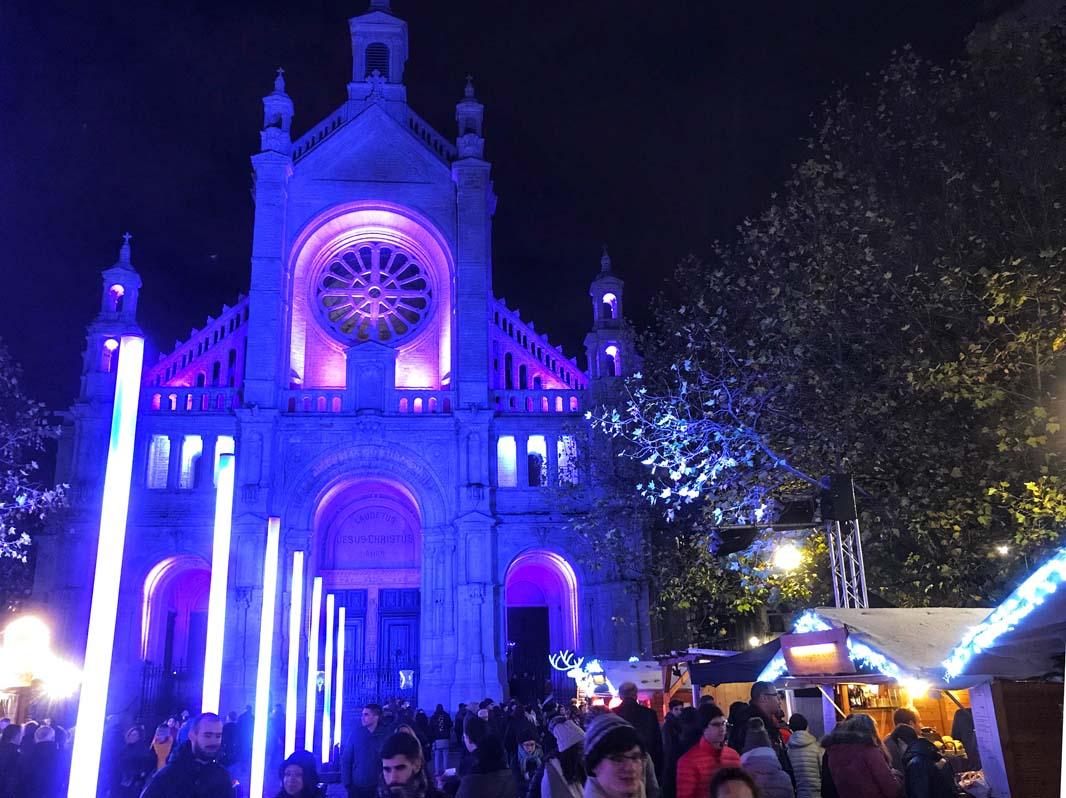 Iglesia Sainte Catherine iluminada Navidad Top Bruselas