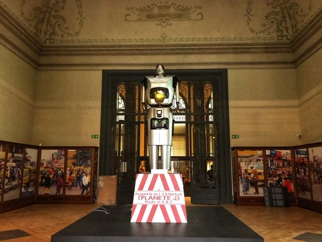 Museo real de Africa Central robot