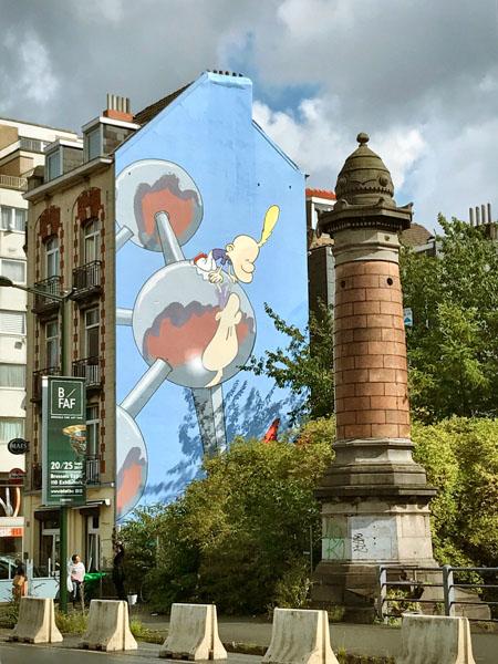 Trivial de Bruselas Vol 3 Mural comic