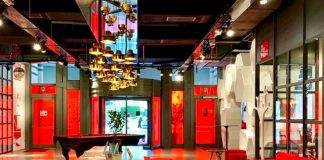 Hotel Radisson Red Brussels arte música y diseño