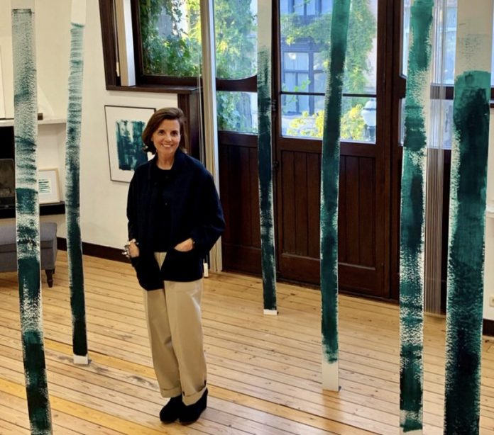 Entrevista a Ty Trias, nombre artístico de Olga Cuenca rodeada de árboles