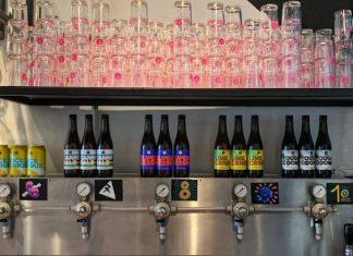 brussels Beer Project grifos de cerveza y vasos rosas
