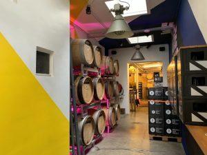 Pasillo de la tienda a la fábrica de Brussels Beer Project