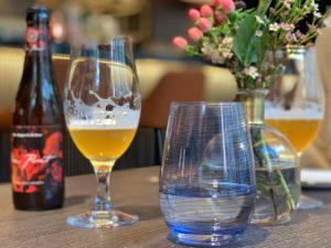 The Poet copas de cerveza