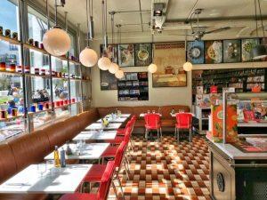 15 planes para disfrutar de Bruselas en familia libreria restaurante cook and book