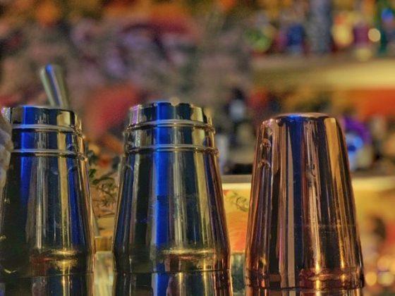 Edgars Flavors celebrando la amistad eterna en Ixelles vasos