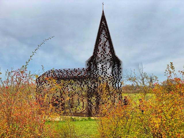 La iglesia transparente de Borgloon, el espejismo de Limburgo